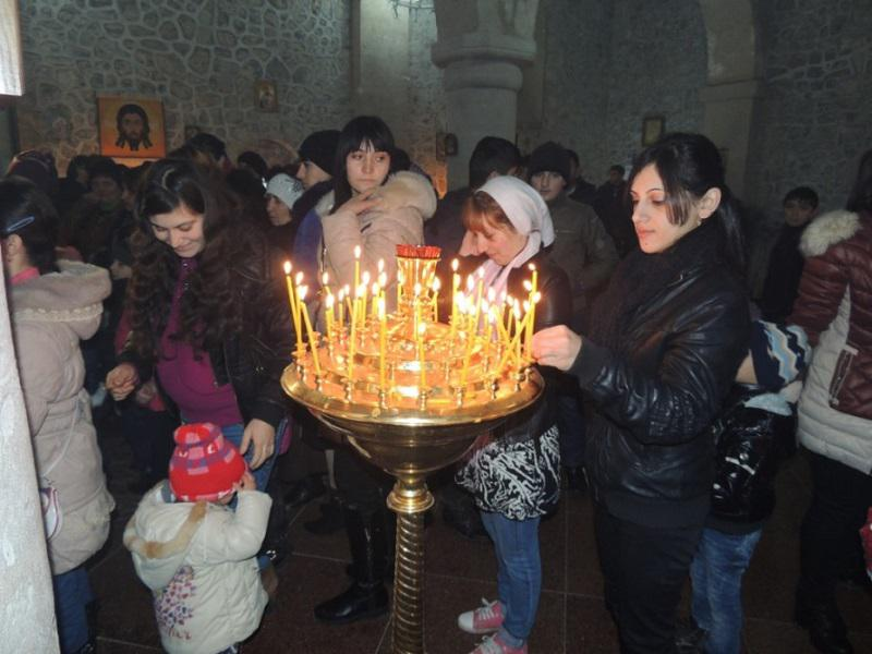 The Knowledge Foundation pleased the udins at the Easter holiday, held in the village of Nij Gabala District