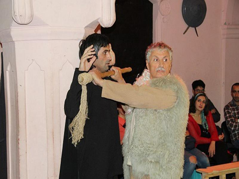 """Members of the drama club, created by the Knowledge Foundation visited the play of the Theatre """"Yug"""""""